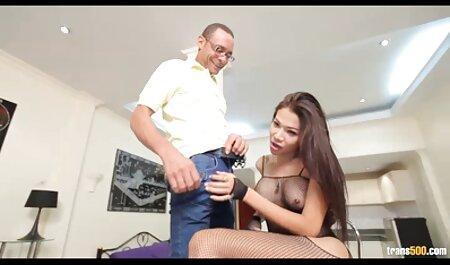 Cody Lane bekommt ihren Arsch gesprengt oma sex free