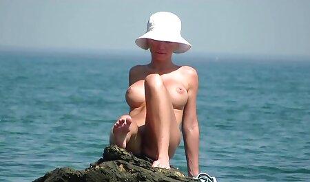 Nilou Achtland-Sexy Dusche oma pornofilm