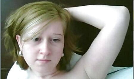 Junge Frau saugt omafotze porn und fickt mit Fotograf