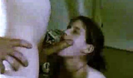 Desi Babe wird von einem großen weißen Schwanz in oma sexfilme gratis den Arsch gefickt