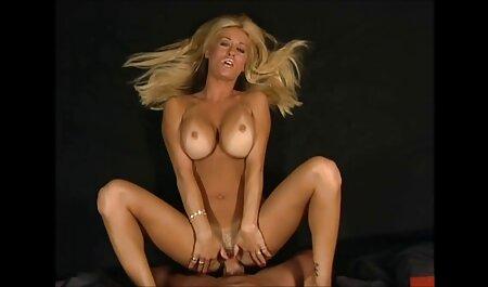 Perfekte Brünette oma porno s fickt hart
