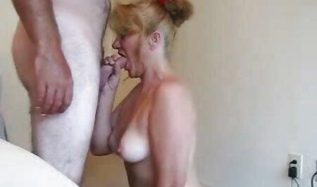 Brünette Schönheit benutzt Dildo fickfilme mit oma zum Masturbieren