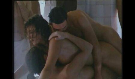 Sexy Prostituierte omasex kostenlos ansehen streichelt ihre Muschi solo